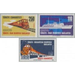 3 عدد تمبر اتصال راه آهن ایران و ترکیه  - ترکیه 1971