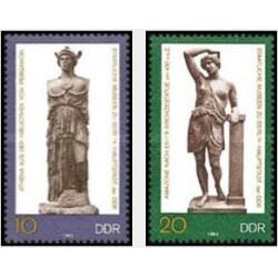 2 عدد تمبر مجسمه های موزه دولتی برلین - جمهوری دموکراتیک آلمان 1983