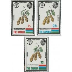3 عدد تمبر نجات از گرسنگی - گامبیا 1973