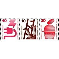 3 عدد تمبر سری پستی - پیشگیری از حوادث -از بوکلت - برلین آلمان 1971