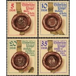 4 عدد تمبر مهر و مومهای قدیمی - جمهوری دموکراتیک آلمان 1984