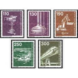 5 عدد تمبر سری پستی - صنعت و تکنیک - برلین آلمان 1982 قیمت 17.47 دلار