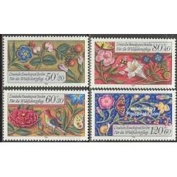 4 عدد تمبر گلهای تزئینی - برلین آلمان 1985